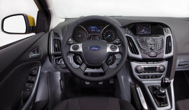 Ford Focus kombi Ecoboost full